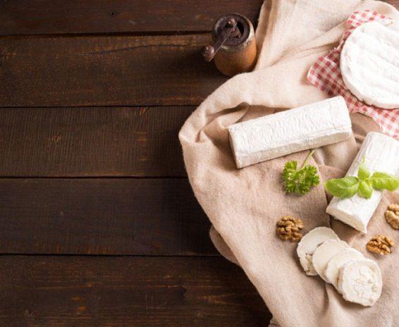 koziji-sir-i-mleko